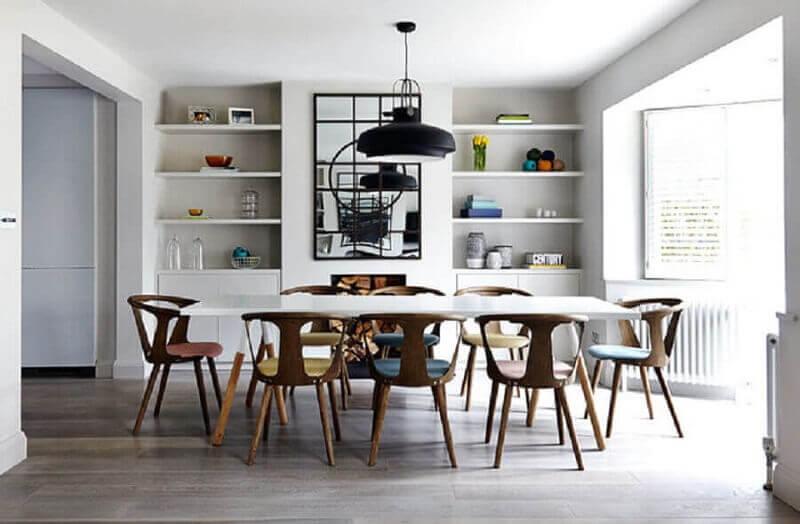 sala de jantar moderna com quadro grande