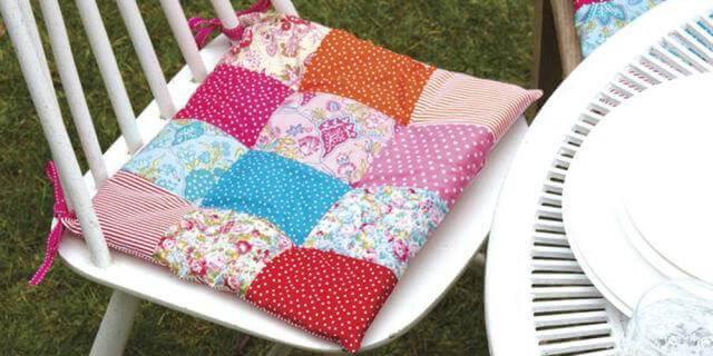 Almofada para cadeiras feita de patchwork