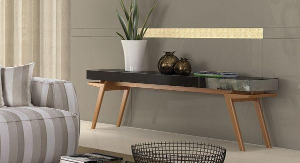 Aparador espelhado em sala de estar