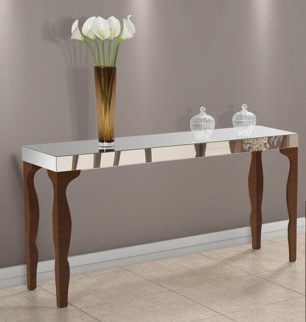 Aparador espelhado para sala de visitas