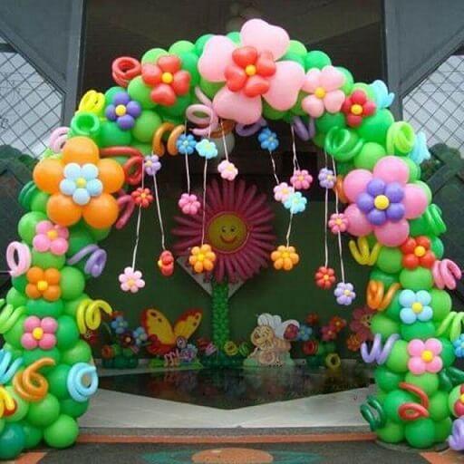 Arco de bexiga com tema de flores Foto de DH Gate
