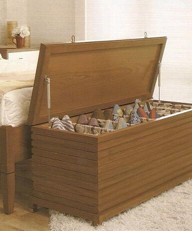 Calçadeira sapateira de madeira Foto de Viver em Casa