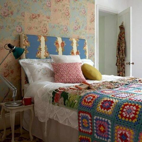 Colcha de patchwork feita de crochê