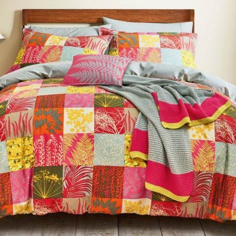 Colcha e fronhas de patchwork Foto de Jarrold