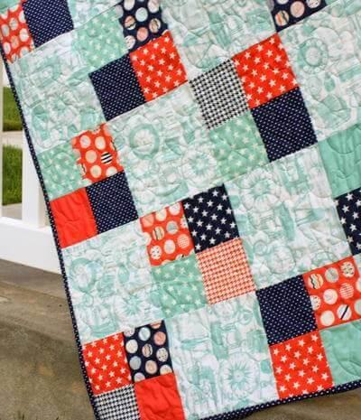 Colcha de patchwork para cama de menino