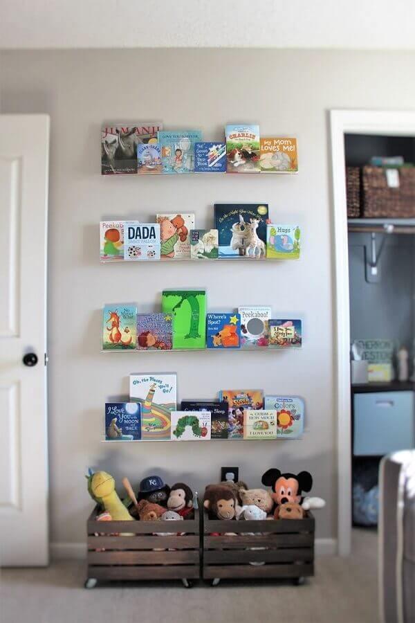 Como organizar brinquedos no quarto com caixotes e prateleiras Foto Pinterest