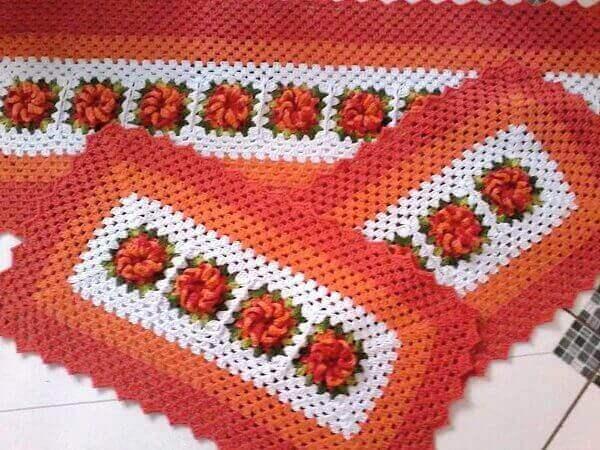 Crochê de tapete laranja