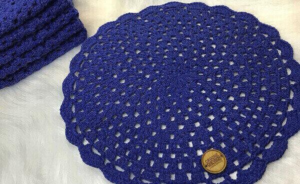 Crochê tapete azul