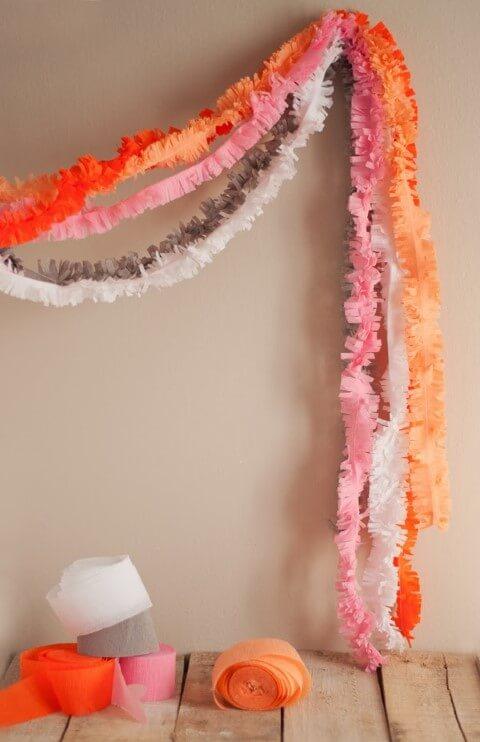 Decoração com papel crepom cortados Foto de U Create