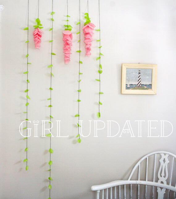Decoração com papel crepom de flores Foto de Maines Majority