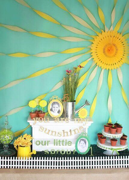 Decoração com papel crepom em sol feito de papel Foto de Pinterest