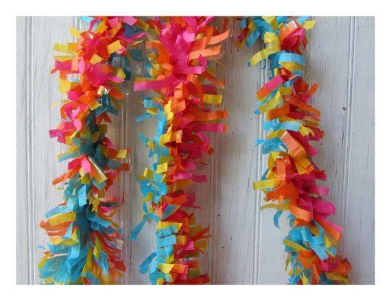 Decoração com papel crepom picotado Foto de Pinterest