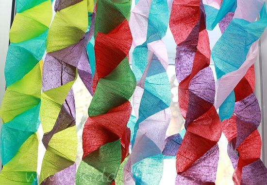 Decoração com papel crepom torcido colorido Foto de Pinterest