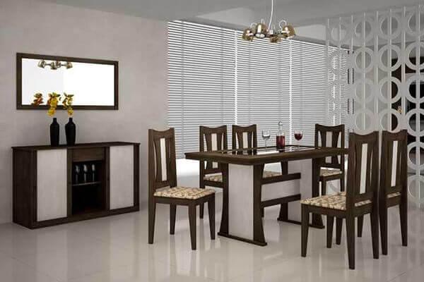 Divisória de madeira branca em sala de jantar