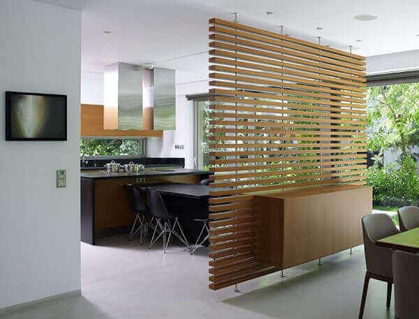 Divisória de madeira na decoração de casa
