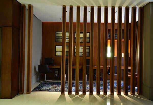 Divisória de madeira para escritórios