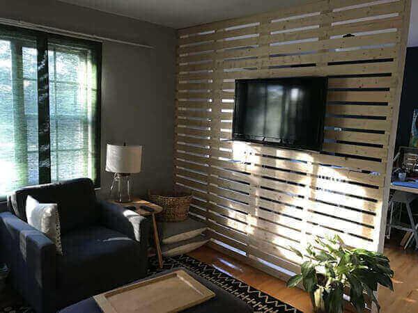 Divisória de madeira para sala de estar pequena
