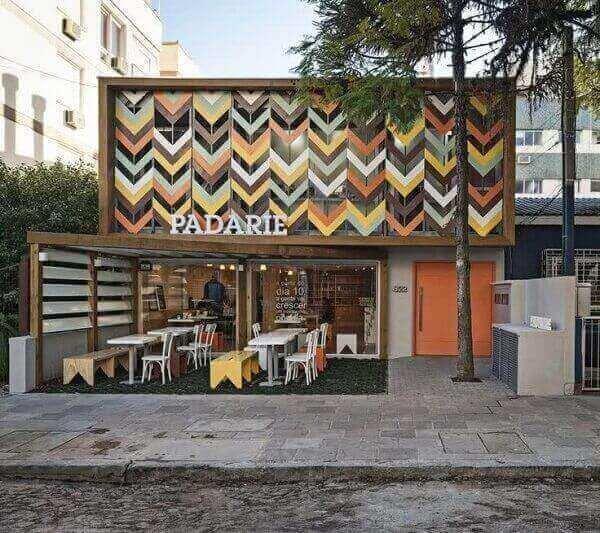 Fachada de loja colorida