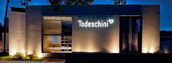 Fachada de loja com iluminação de LED