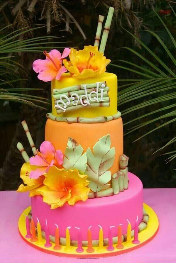 Festa havaiana bolo colorido