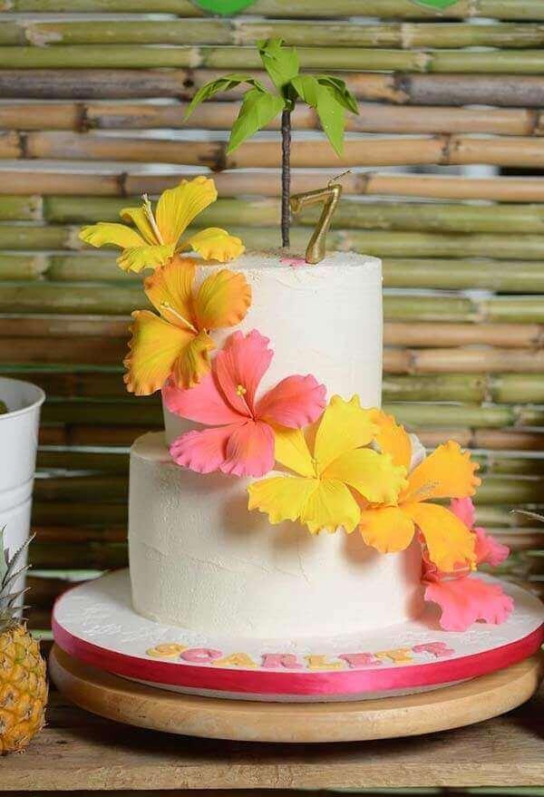 Festa havaiana bolo em camadas clean