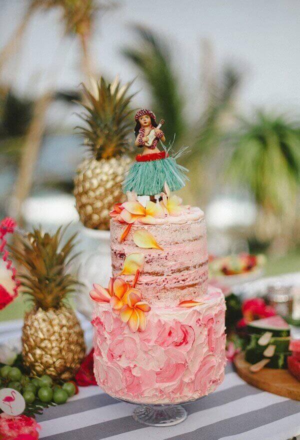 Festa havaiana bolo half naked cake