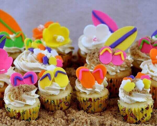 Festa havaiana decoração em bolinhos