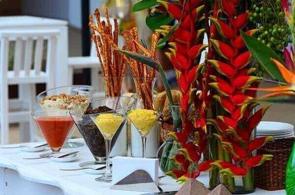 Festa havaiana decoração na mesa