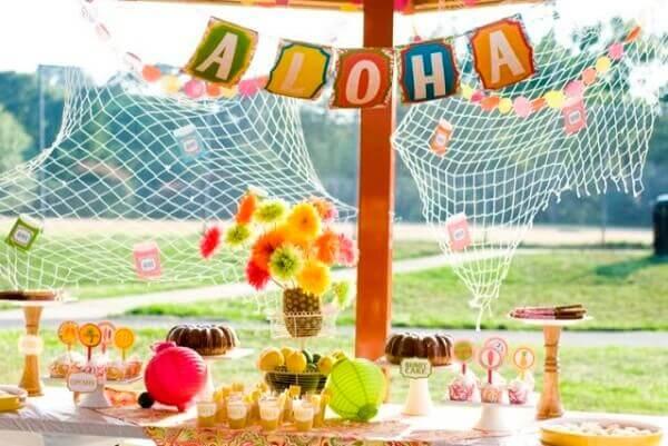 Festa havaiana infantil decorada