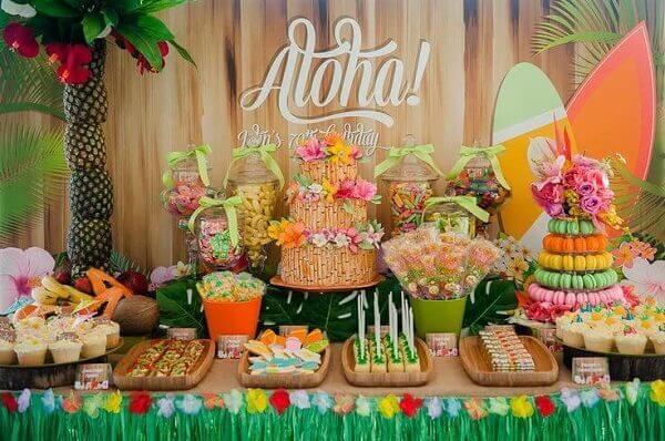 Festa havaiana mesa decorada