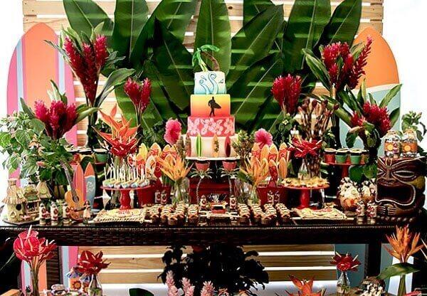 Festa havaiana para crianças