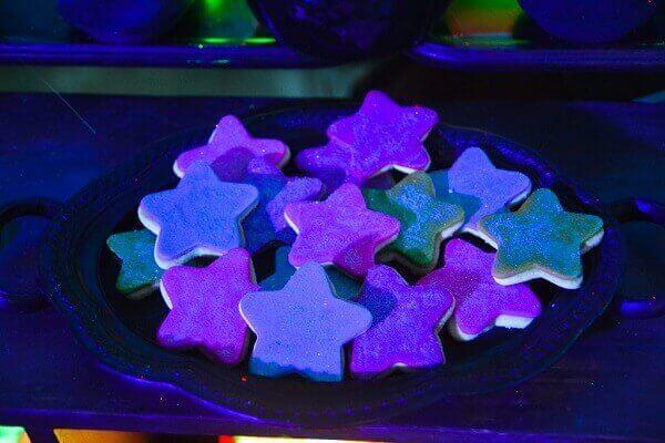 Festa neon biscoitos coloridos
