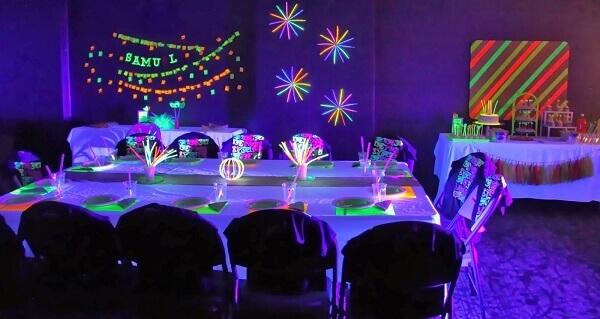 Festa neon decoração de mesa grande