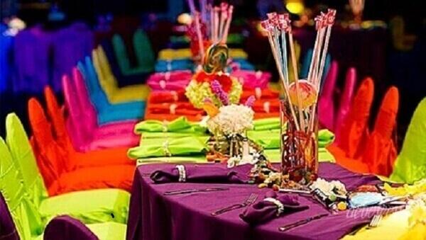 Festa neon mesa para aniversário debutante