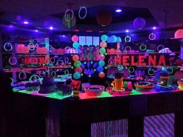Festa neon para adolescentes