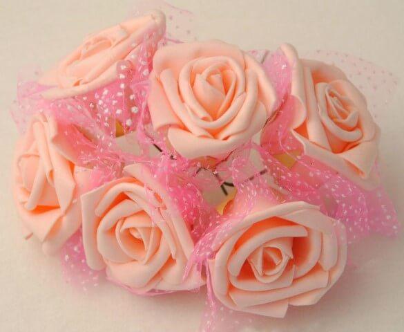 Rosas de EVA em tom salmão claro