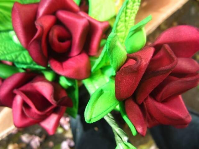 Flores de EVA vermelhas realísticas