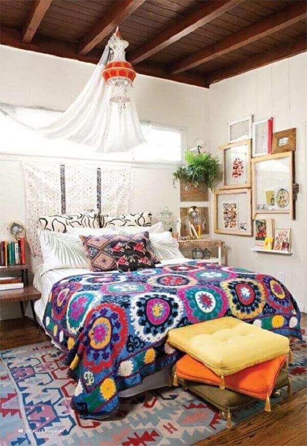 Forro de madeira em quarto estiloso