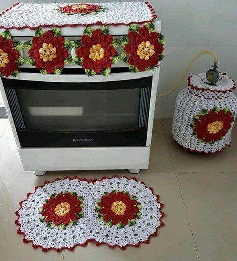 Jogo de peças com tapete de crochê para cozinha com flores grandes Foto de Viviane Arte em Crochê