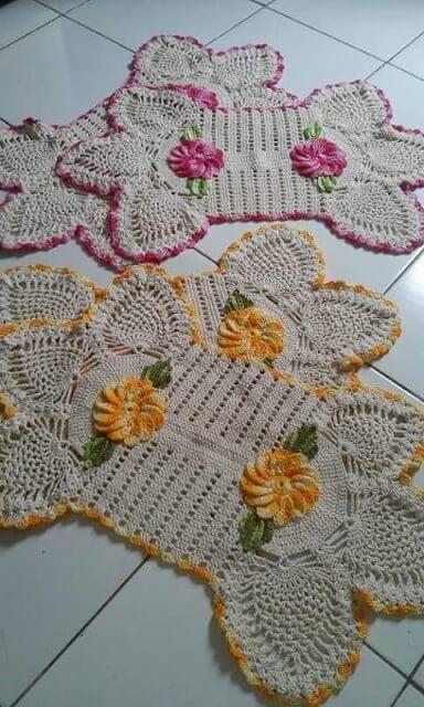Jogo de tapete de crochê para cozinha amarelo e rosa com flores Foto de Cida de Oliveira