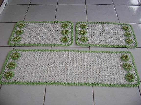 Jogo de tapete de crochê para cozinha com bordas e flores verdes Foto de Ideias Mix