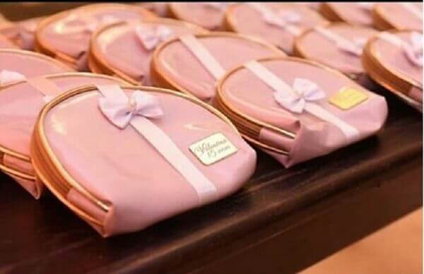 Lembrancinhas de 15 anos bolsinhas cor de rosa