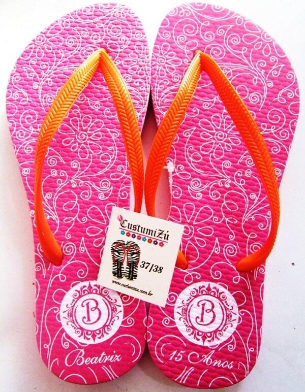 Lembrancinhas de 15 anos chinelos personalizados