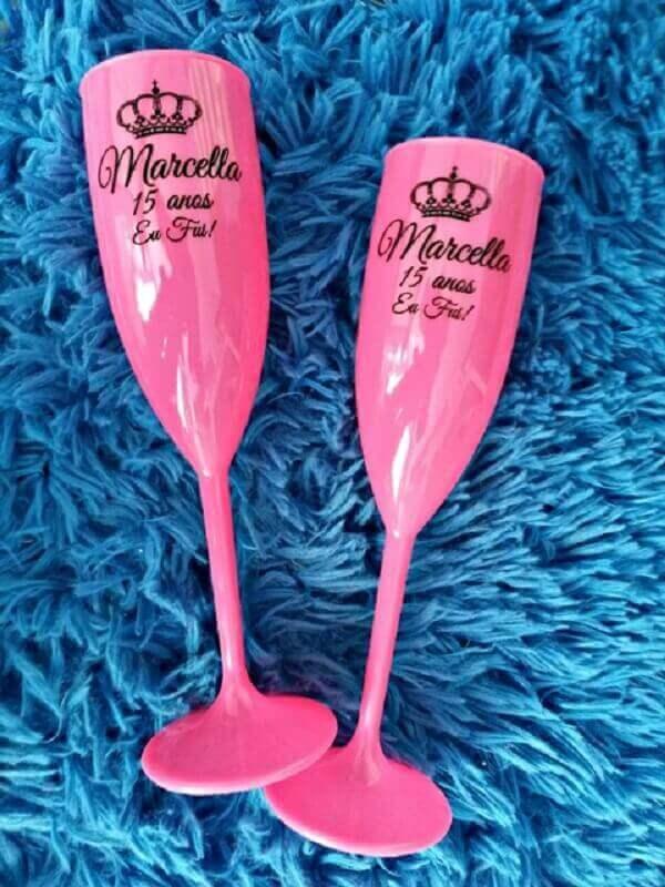 Lembrancinhas de 15 anos taças personalizadas