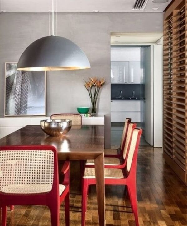 Mesa para sala de jantar retangular feita em madeira