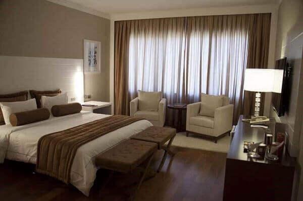 Modelos de quartos de casal com cabeceira branca
