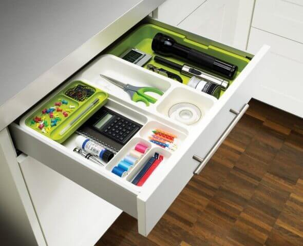 Organizador de gavetas branco e verde