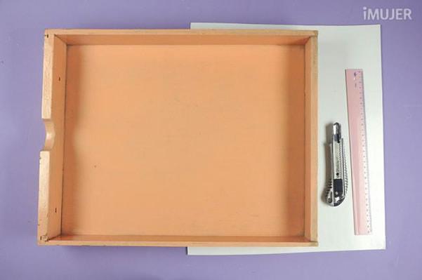Organizador de gavetas com materiais para fazer
