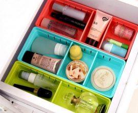 Organizador de gavetas com potes coloridos