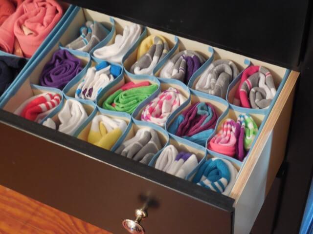Organizador de gavetas estilo nicho com meias